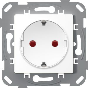 Socket outlet, shuttered, with earth contact